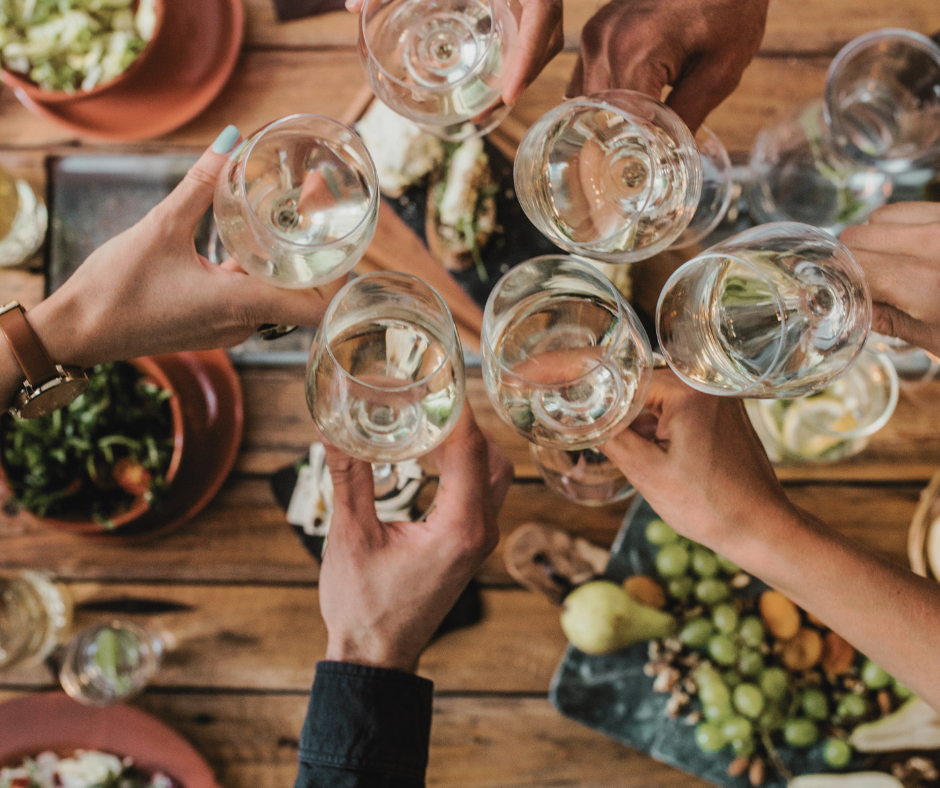You are currently viewing The Perfect Dinner Party Wine and Food Pairings